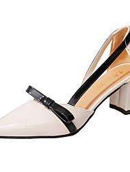 Недорогие -Жен. Обувь Полиуретан Лето Удобная обувь Сандалии На толстом каблуке Заостренный носок Бант Черный / Оранжевый / Бежевый / Боковые пятки