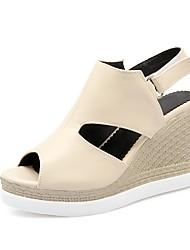 baratos -Mulheres Sapatos Courino Verão Chanel / Plataforma Básica Sandálias Salto Plataforma Peep Toe Presilha para Festas & Noite / Ao ar livre