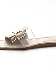 baratos -Mulheres Sapatos Couro Ecológico Verão Chanel Chinelos e flip-flops Sem Salto Preto / Bege / Verde
