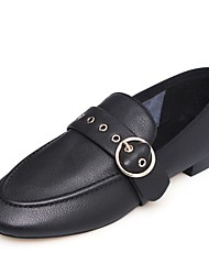 Недорогие -Жен. Обувь Наппа Leather Лето Удобная обувь Мокасины и Свитер На низком каблуке Круглый носок Пряжки Белый / Черный