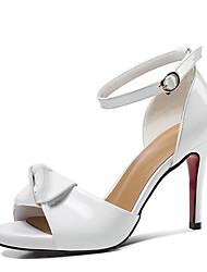 abordables -Mujer Zapatos Cuero de Napa Primavera verano Confort Sandalias Tacón Stiletto Punta abierta Hebilla Blanco / Almendra