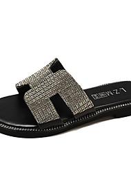 baratos -Mulheres Sapatos Couro Ecológico Verão Chanel Chinelos e flip-flops Sem Salto Dourado / Preto