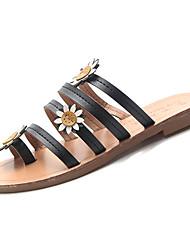 Недорогие -Жен. Обувь Полиуретан Лето Обувь через палец Тапочки и Шлепанцы На плоской подошве Белый / Черный