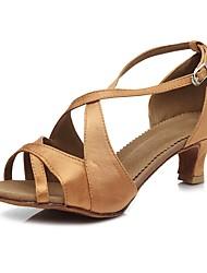 Недорогие -Жен. Обувь для сальсы Сатин Сандалии / На каблуках Пряжки Тонкий высокий каблук Персонализируемая Танцевальная обувь Коричневый