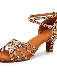 Недорогие -Жен. Обувь для латины Сатин На каблуках Кубинский каблук Персонализируемая Танцевальная обувь Цвет-леопард
