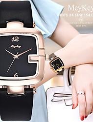 Недорогие -Жен. Наручные часы Кварцевый Секундомер Повседневные часы Милый Кожа Группа Аналоговый Кольцеобразный Элегантный стиль Черный / Белый / Красный -  / Один год / Один год