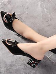 Недорогие -Жен. Обувь Кожа Лето Туфли лодочки Башмаки и босоножки На толстом каблуке Заостренный носок Черный / Красный