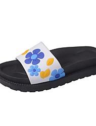 baratos -Mulheres Sapatos Couro Ecológico Primavera Verão Conforto Chinelos e flip-flops Sem Salto Branco / Vermelho / Verde