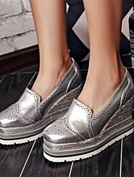 abordables -Femme Chaussures Cuir Nappa Printemps été Confort Mocassins et Chaussons+D6148 Hauteur de semelle compensée Bout fermé Gris / Argent / Rouge