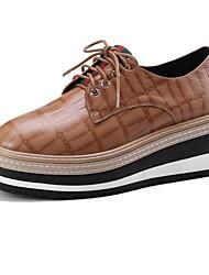Недорогие -Жен. Обувь Овчина Весна / Осень Удобная обувь Туфли на шнуровке Микропоры Черный / Красный / Верблюжий