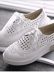 Недорогие -Жен. Обувь Полиуретан Лето Удобная обувь Туфли на шнуровке Микропоры Круглый носок Белый / Черный / Розовый