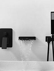 Недорогие -Смеситель для ванны - Современный Окрашенные отделки На стену Медный клапан Bath Shower Mixer Taps / Латунь / Одной ручкой три отверстия