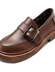 baratos -Mulheres Sapatos Couro Ecológico Outono Conforto Oxfords Salto Baixo Ponta Redonda Preto / Castanho Escuro