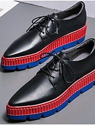 baratos -Mulheres Sapatos Pele Napa Primavera Conforto Tênis Sem Salto Ponta Redonda Branco / Preto
