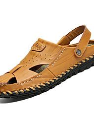 Недорогие -Муж. Комфортная обувь Кожа Лето Сандалии Черный / Желтый / Коричневый