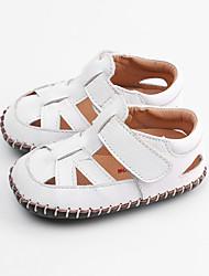 Недорогие -Мальчики / Девочки Обувь Кожа Лето Обувь для малышей Сандалии На липучках для Дети Белый / Коричневый / Красный
