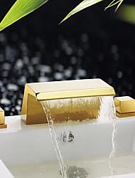 abordables -Baño grifo del fregadero / Conjunto de grifería - Cascada / Separado / Nuevo diseño Ti-PVD De Pie Tres manijas tres agujeros