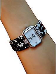 baratos -Mulheres Relógio de Pulso Cronógrafo / Relógio Casual / Adorável Plastic Banda Rígida / Elegante Preta / Branco / Vermelho