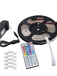 baratos -HKV 5m Faixas de Luzes LED Flexíveis 300 LEDs 3528 SMD 1 controlador remoto de 44 teclas / 1 x adaptador de energia 2A RGB Impermeável / Cortável / Conetável 100-240 V