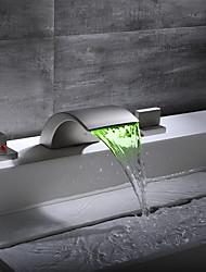 Недорогие -Ванная раковина кран / Смеситель - Водопад / обожаемый Матовый никель Разбросанная Две ручки три отверстияBath Taps / Латунь