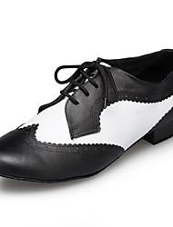 billiga -Herr Moderna skor Läder Sneaker Tvinning Tjock häl Dansskor Svart / Vit