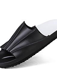 Недорогие -Муж. Комфортная обувь Кожа Лето Винтаж / На каждый день Тапочки и Шлепанцы Дышащий Белый / Черный