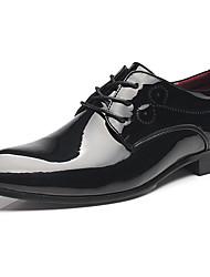 baratos -Homens Sapatos formais Couro Envernizado Primavera & Outono Negócio / Formais Oxfords Não escorregar Preto / Azul / Vinho