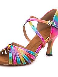 Недорогие -Жен. Обувь для латины Полиуретан Сандалии / Кроссовки Пряжки Тонкий высокий каблук Персонализируемая Танцевальная обувь Цвет радуги