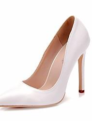 Недорогие -Жен. Полиуретан Весна & осень Классика Свадебная обувь На шпильке Заостренный носок Белый / Свадьба