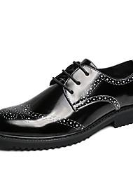 Недорогие -Муж. Комфортная обувь Искусственная кожа Осень Туфли на шнуровке Черный и золотой / Черный