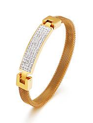 ราคาถูก -สำหรับผู้ชาย สำหรับผู้หญิง ขาว Cubic Zirconia ทางเรขาคณิต กำไล ทองชุบ 18K กุหลาบทอง Titanium Steel ง่าย คลาสสิก วินเทจ เกี่ยวกับยุโรป แฟชั่น สร้อยข้อมือ เครื่องประดับ สีทอง / สีเงิน / Rose Gold สำหรับ