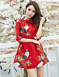 billige -Voksne Dame Designet i Kina Kinesisk Stil Wasp-innsnevrede Cheongsam Til Ytelse Forlovelsesfest Utdrikningslag Polyester Over Knæet Cheongsam