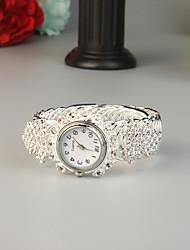 Недорогие -FEIS Жен. Часы-браслет Мода Серебристый металл сплав Кварцевый Серебряный Творчество 1 ед. Аналого-цифровые
