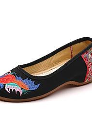 Недорогие -Жен. На плокой подошве Туфли на танкетке Круглый носок Полотно Лето Черный / Красный