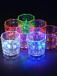 Недорогие -1pc радуга проблесковый свет вверх бокалы с водить светящиеся огни вино / пивная чашка для ночного клуба бар день рождения ktv рождество 7 цветов 170ml