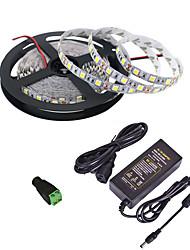 billige -5 m Fleksible LED-lysstriper / RGB-lysstriper / Fjernkontroller 300 LED 5050 SMD 1 24Kjør fjernkontrollen / 1 x 12V 2A adapter Multifarget Kreativ / Fest / Dekorativ 85-265 V 1set
