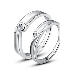 Yüzükler Çiftlerin Gümüş Gümüş Gümüş Süslerin rengi resimde gösterildiği gibidir.