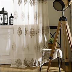 preiswerte Fensterdekoration-Maßgfertigt Durchsichtig Gardinen Shades zwei Panele Maßgeschneiderte Größe / Stickerei / Schlafzimmer