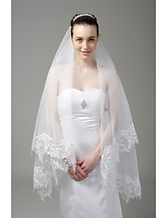 One-tier Lace Applique Edge Wedding Veil Fingertip Veils With Applique 66.93 in (170cm) Tulle A-line, Ball Gown, Princess, Sheath/