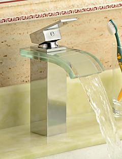 Moderní Baterie na střed Vodopád Keramický ventil S jedním otvorem Single Handle jeden otvor Pochromovaný , Koupelna Umyvadlová baterie