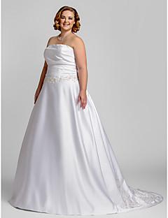 billiga Plusstorlek brudklänningar-A-linje Axelbandslös Hovsläp Satäng Bröllopsklänningar tillverkade med Bård / Applikationsbroderi / Veckad av LAN TING BRIDE®