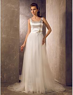 billiga Prinsessbrudklänningar-A-linje Scoop Neck Svepsläp Tyll / Stretchig satäng Bröllopsklänningar tillverkade med Rosett / Bälte / band / Blombrosch i kristall av LAN TING BRIDE®