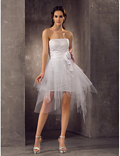 billiga Åtsmitande brudklänningar-Åtsmitande Axelbandslös Kort / mini Tyll Bröllopsklänningar tillverkade med Bälte / band / Veckad / Blomma av LAN TING BRIDE® / Liten vit klänning