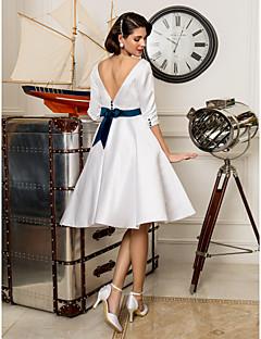 billiga Prinsessbrudklänningar-A-linje Bateau Neck Knälång Satäng Bröllopsklänningar tillverkade med Bälte / band / Knapp av LAN TING BRIDE® / Liten vit klänning
