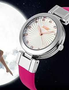 billige Modeure-Dame Modeur Quartz Japansk Quartz 30 m Læder Bånd Analog Sort / Hvid / Rød - Rosa Rød Blå / Rustfrit stål