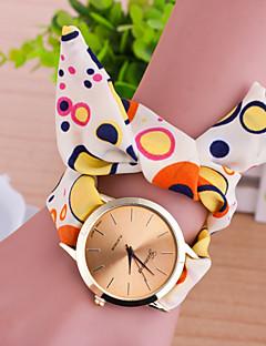 billige Armbåndsure-Dame Quartz Armbåndsur Afslappet Ur Stof Bånd Vedhæng Mode Mangefarvet