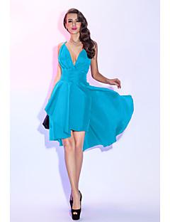 billiga Balklänningar-A-linje Dunkel halsringning Asymmetrisk Taft Den lilla svarta / Tvådelad Cocktailfest / Bal Klänning med Veckad / Plisserat av TS Couture®