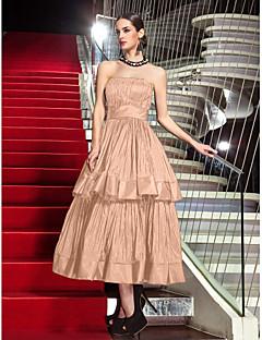 billiga Kändisklänningar-A-linje Axelbandslös Telång Taft Bal / Formell kväll Klänning med Plisserat av TS Couture® / Den lilla svarta