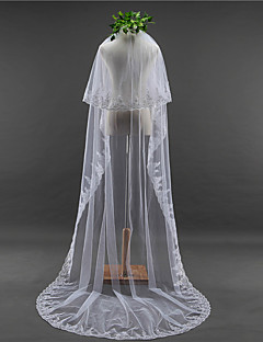 Lady's Elegant Wedding Veil Two-tier Chapel Veils Lace Applique Edge Lace Tulle