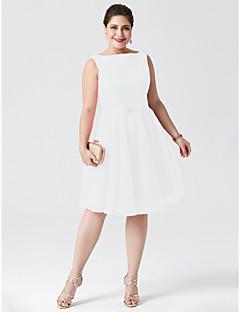 billiga Cocktailklänningar-A-linje Båthals / Bateau Neck Knälång Spets / Tyll Cocktailfest / Bal Klänning med Rosett(er) / Bälte / band av TS Couture®